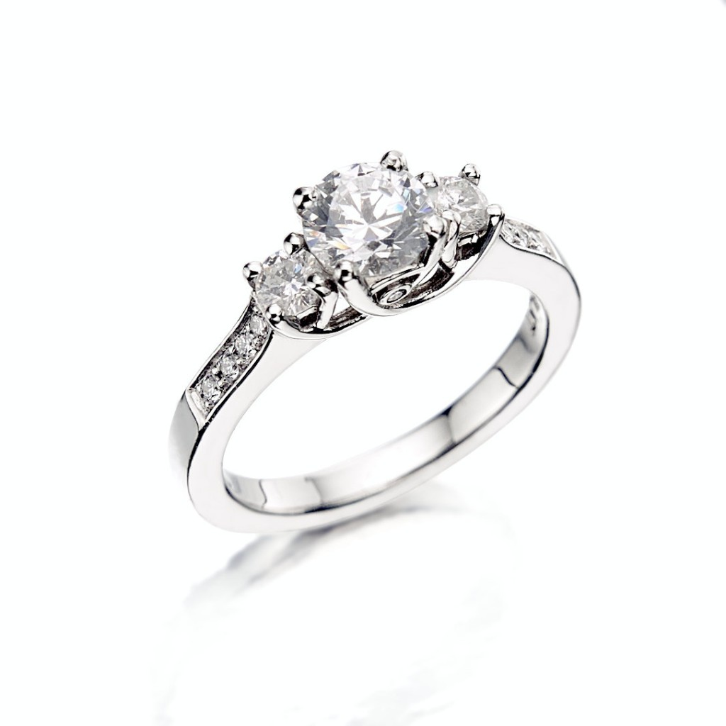 ring is gaining white on platinum gold engagemnt jewellery diamondland